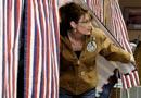 佩林在阿拉斯加投票