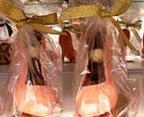 必买手信三:红色高跟鞋巧克力