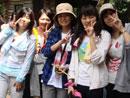 与日本高中生合影