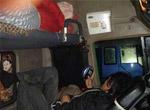 几个人在车里挤着睡下,大货车,货车,大货,大祸车,车祸大货车N宗罪,汽车,搜狐汽车,汽车网,搜狐汽车社区,麻辣板报