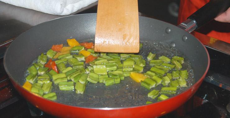 美食厨房,广州金椰雨林餐厅,海南菜,广州美食,眼睛螺炒四角豆,美食图片