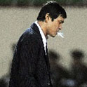 范志毅抽闷烟
