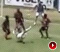 巴西联赛上演罕见绝技 倒钩接力破门震撼足坛