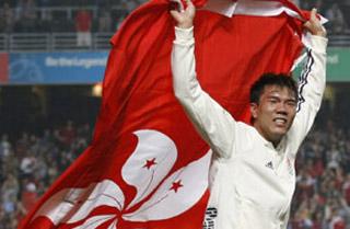 霍启刚现场为门将鼓掌 香港点杀日本夺50年首冠