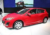 进口Mazda3两厢侧面