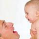 宝宝喜欢被爸爸高高举起
