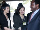 肯尼亚副总统和周迅握手