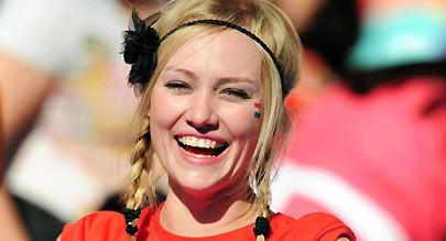 世界杯美女球迷大赏 MM酷似霹雳娇娃