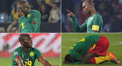 喀麦隆出局队员抱头痛哭