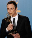 第62届艾美奖:吉姆-帕森斯亲吻奖杯