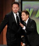 大卫-布恩以及保罗获第62届艾美奖最佳综艺编剧奖