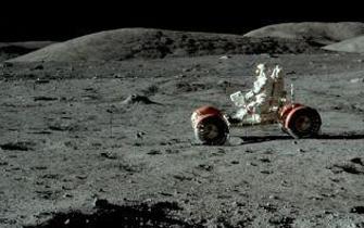 月球车是不错的出行工具