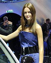 巴黎车展美女车模