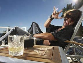 爱上威士忌的始惊·次醉·终狂