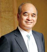 周大福集团副董事长郑家纯博士