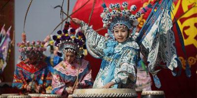 庙会节目精彩纷呈 新春上海欢乐无限