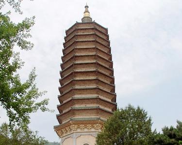 举头三尺有神明 灵光寺寻求释迦牟尼的庇佑