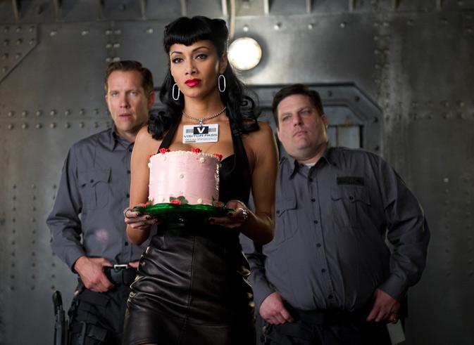 神秘蛋糕女