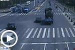 电动车闯红灯 连发三起交通事故