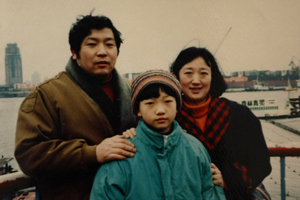 李佳薇与父母