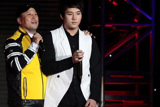 李永波的儿子李根也在中国羽毛球队
