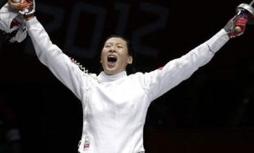 中国女子重剑女团夺金