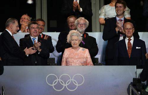 伦敦奥运会开幕式,女王再成主角.-女王1图片