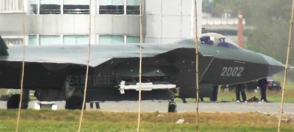中国隐身战斗机已经采用了一种全新型号的格斗空空导弹。