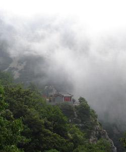 大黑山:仙山琼阁悬崖盘路 飞瀑古刹令人神往