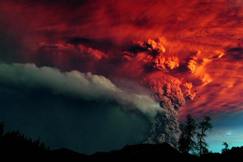智利火山喷发壮观场景