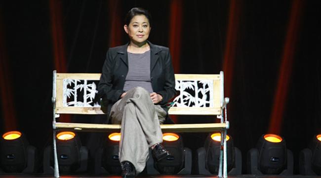 倪萍在公益寻亲节目《等着我》录制现场
