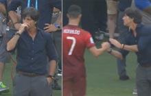 球员退场尴尬一幕 勒夫抠鼻屎与C罗握手