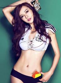 宅男女神周韦彤助阵世界杯