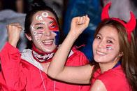 韩国女星两地呐喊