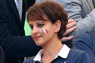 法国美女部长现场助威