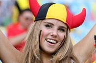 嫩模美艳写真助威世界杯