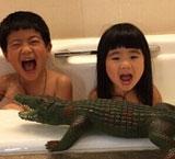 Grace模仿大鳄鱼表情