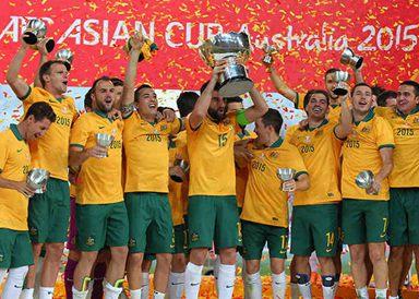 澳大利亚夺冠捧杯狂欢