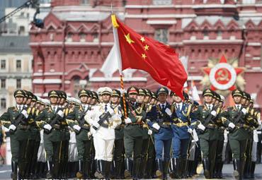 俄罗斯阅兵10国方队 解放军仪仗队最帅气
