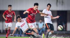 郑龙首球郑智逃红牌 恒大3-0人和3轮首胜