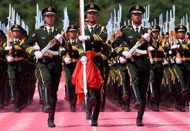 走近升旗仪式护卫方队
