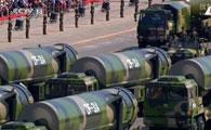 东风31A型固体洲际核弹道导弹方队