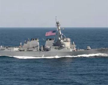 美军舰进入中国南海岛礁12海里