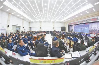原文配图:南部战区组织机关参谋人员业务培训,提升联合作战值班和指挥能力。