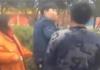 两男子打女环卫工遭围观者暴揍