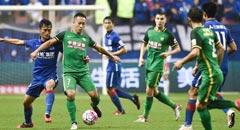 杨智屡次救险李建滨染红 申花0-0国安