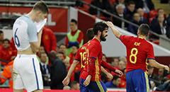 热身赛-英格兰2-2西班牙 斯通斯成背景
