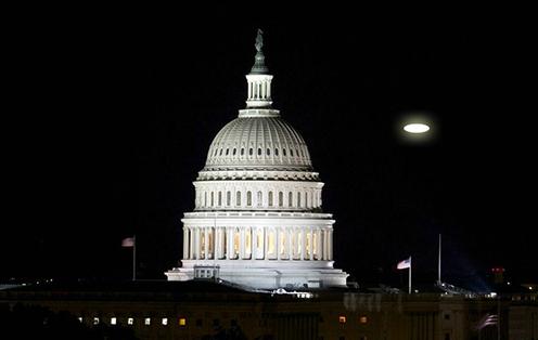 飞临白宫的不明飞行物