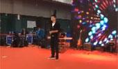 视频-马龙深情演唱《蜗牛》