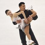 亚冬会双人滑中国组合夺冠